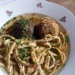 Suppenvariationen vom Mittagsbuffet im Hampis