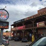 The Knuckle Saloon resmi