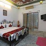 OYO 3942 Hotel Baba Palace