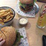 Foto de Main Street Burger Bar