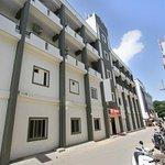 OYO 9060 Sri Sai Guest Inn