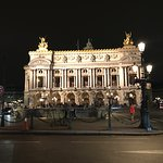 Palais Garnier with people doing the tango in front