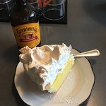 Foto de Proper Pie Co.