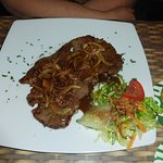 Marinated top sirloin with onions (Bistec de Palomilla)