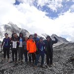 The six of us with Pasang & Padma from Himalayan Wonders...
