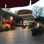 صورة فوتوغرافية لـ 16th Street Mall