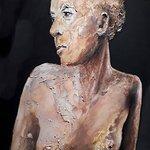 Portrait émouvant dans l'une des galeries de la cité