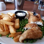 fish and chips with peas & tartare sauce