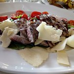 Pranzo di domenica molto buono e gradevole, pietanze tradizionali buone e genuine, servizio prof