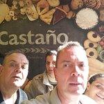 ภาพถ่ายของ Castano