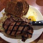 Foto van The Broken Yolk Cafe