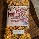 Bild från Paddlewheel Popcorn & Candy Company