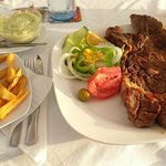 I paid for this T-bone MONSTER + chips + salad + Mojo & Aioli...13€. Any other questions?