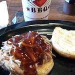 Pulled Pork shoulder sandwich, mild sauce, Ice tea
