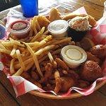 Foto de Hogfish Bar & Grill