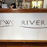 Billede af Two Rivers Wines