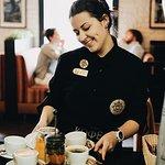 Наши официанты подарят Вам атмосферу уюта и тепла