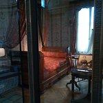 Chambre natale de Sainte Thérèse vue du sanctuaire