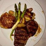 Foto de Louie's Prime Steak House