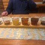 пробуем все сорта местного пива