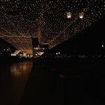 невероятная атмосфера 😻 лучше приходить в ночное время, ибо все становится таким красивым и вол