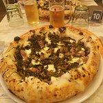 La pizza salsiccia e friarielli