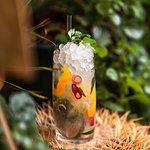 Силантро Морада: писко, настоенный на кинзе, лимонный сок, тросниковый сироп, перец чили