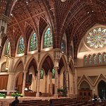 Holy Name Cathedral resmi