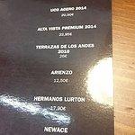 Carta de vinos, incluyendo argentinos