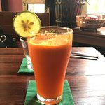 Fresh Apple and Carrot drink