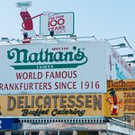 Nathan's Famous의 사진