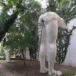 Zdjęcie In Utero Sculpture by David Cerny