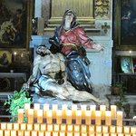 Virgen con Cristo a sus pies