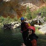 Pasándolo en grande en el barranco del Ventano del Diablo en Cuenca