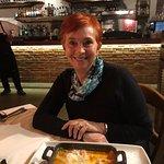 Lasagna langosta + spaghetti negro con mariscos + tiramisu = mmm yumi. Vino italiano Santa Crist