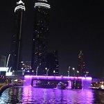 Foto di Dubai Water Canal