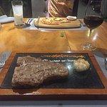Foto de Grill Wine Cafe