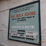 صورة فوتوغرافية لـ Avila Adobe