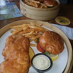 Fishlips Waterfront Bar & Grillの写真