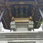 uvnitř chrámu