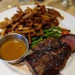 Foto de Steak Frites St-Paul