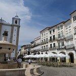 Zdjęcie Fountain of the Giraldo Square (Évora)
