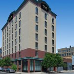 Red Lion Inn & Suites Long Island City