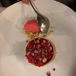 Dessert alle Rose e frutti di bosco