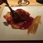 Confit de Pato Tostado en Cama de Pasta Fresca y Salsa ligera de miel. genial el pato con esa sa
