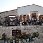 Foto de Lenia's Traditional Tavern