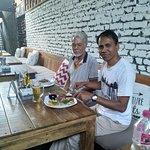 Photo de Roadhouse Cafe Pokhara