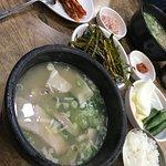 ภาพถ่ายของ Bonjeon Dwaeji Gugbap