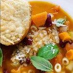 Minestrone Soup, Cheesy Bread