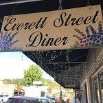 Фотография Everett Street Diner